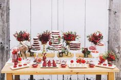 Wedding cake idea; Featured Photographer: Purple Tree Photography