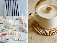 Recupero creativo delle mollette da bucato: 22 idee da copiare Diy Recycle, Recycling, Dyi, Clothespin Bag, Idee Diy, Tea Pots, Arts And Crafts, Dining, Tableware