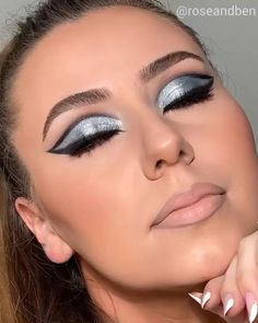 Sexy Eye Makeup, Eye Makeup Steps, Makeup Eye Looks, Creative Makeup Looks, Eye Makeup Art, Black Makeup, Makeup For Brown Eyes, Beauty Makeup, Cut Crease Eyeshadow