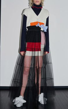 See the complete MSGM Pre-Fall 2016 collection. Quirky Fashion, Tomboy Fashion, Love Fashion, High Fashion, Fru Fru, Fall Fashion 2016, Fashion Details, Fashion Design, Fashion Photography Inspiration