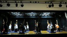 """Se você pretende começar a estudar teatro em 2016, mas ainda não encontrou a escola ideal, pode ficar aliviado(a). Os Núcleos de Artes Cênicas (NACs) do SESI-SP oferecem seus """"Cursos Livres de Iniciação Teatral"""" para pessoas de todas as idades."""