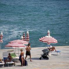 Offerte lavoro Genova  Tariffe stellari per chi non è abbonato. Prezzi alti anche ai bagni del Comune  #Liguria #Genova #operatori #animatori #rappresentanti #tecnico #informatico Mare in città ombrelloni a peso doro