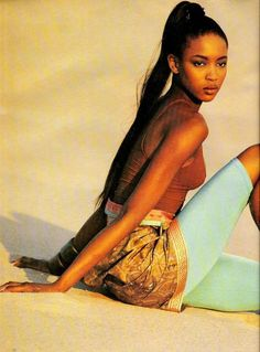 Vogue UK, January 1988 Photographer : Patrick Demarchelier Model : Naomi Campbell