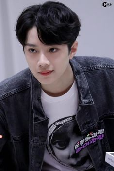 Guan Lin, Lai Guanlin, Chinese Boy, Asian Actors, My Crush, No One Loves Me, My Beauty, Handsome Boys, Boyfriend Material