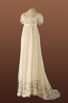 Maggie's Costume Wardrobe: White cotton regency gown