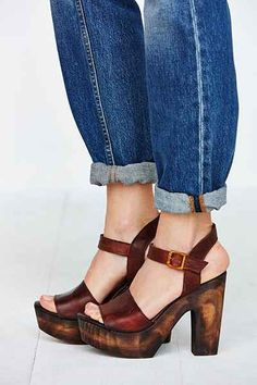 FREEBIRD by Steven Caye Sandal - Urban Outfitters