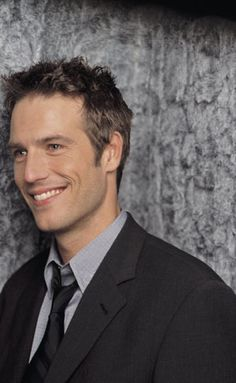 "Ah, handsome Michael Vartan -- looking at this makes me want to watch some early ""Alias"" episodes..."