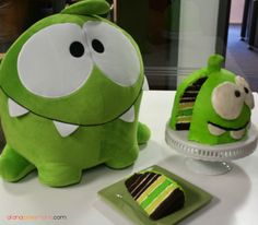 Cut the Rope games, Om Nom and Nommies Official Website Beautiful Cakes, Amazing Cakes, Fruit Birthday Cake, Alien Party, Mickey Cakes, Minnie Cake, Cut The Ropes, Crazy Cakes, No Bake Cake