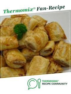 Recipe Cyndi O'Meara's Vegetarian Sausage Rolls by Thermomix in Australia - Recipe of category Baking - savoury One of the commenters swapped the walnuts for a mix of cashews & macadamias, still very meat like apparently! Savory Snacks, Healthy Snacks, Savoury Recipes, Healthy Dinners, Healthy Eating, Mulberry Recipes, Vegetarian Recipes, Cooking Recipes, Meal Recipes