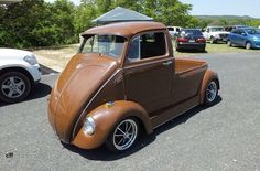VW auto - picture, long nosed beetle/bus/pick-up something. Cool Trucks, Cool Cars, Classic Trucks, Classic Cars, Vw T1 Camper, Carros Vw, Vw Modelle, Combi Wv, Auto Volkswagen