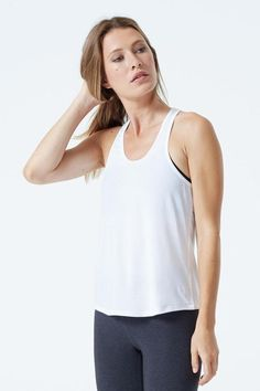 9b863fe2bf0ee2 64 Best Activewear & Yoga Must-Haves images in 2019   Activewear ...