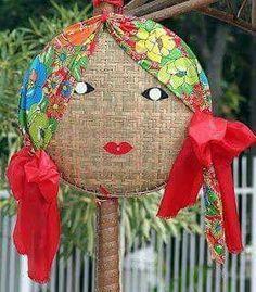 Dicas para organizar uma Festa Junina/Julina em casa - Reciclar e Decorar - Blog de Decoração e Reciclagem My Flower, Flower Pots, Handmade Crafts, Diy And Crafts, Holiday Fun, Holiday Decor, Desert Art, 3d Craft, Pattern Making