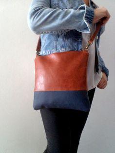 Two-tone shoulder bag / Handmade cross-body vegan bag / by reabags