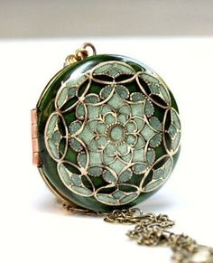 Green/ Locket/ Necklace/ Women's Jewelry/ Locket Necklace/ Gift/For/Her/ Brass Locket/ Filigree Locket/ Wedding Gift/ Romantic Gift/ Lockets