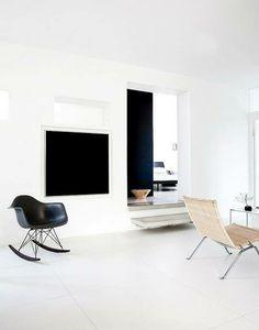 Die Stühle von Charles & Ray Eames auf Holzkufen werten einfach jeden Raum auf. Hier entdecken und kaufen: http://sturbock.me/GRG