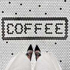 Time for coffee!! ☕️☕️☕️ #ihavethisthingwithfloors Regram @chantal_li
