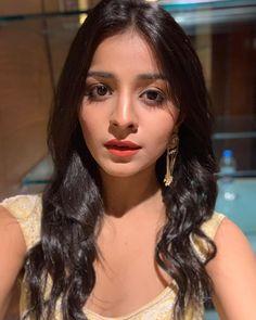 Close up! Indian Teen, Indian Girls, Aishwarya Rai Photo, Ileana D'cruz, Beautiful Bollywood Actress, Tv Actors, Bollywood Celebrities, Woman Face, Indian Actresses