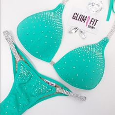 Shop this Instagram from @glamfit_mama Bikini Competition Suits, Fitness Competition, Figure Competition, Bikini Fitness Models, Bikini Models, Dress Bra, Bikini Competitor, Bikini Workout, Bra Styles