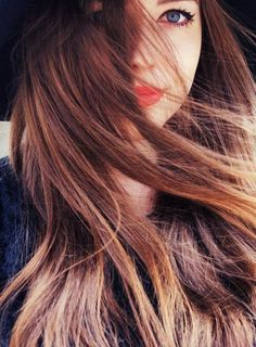 red orange lips with subtle brown balayage Pretty Hairstyles, Straight Hairstyles, Girl Hairstyles, Braided Hairstyles, Style Hairstyle, Tips Belleza, About Hair, Gorgeous Hair, Beautiful Lips