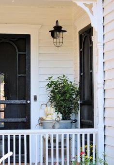 LaurieAnna's farmhouse porch light screen door, doorbell and door knobs – farmhouse front door with screen Cottage Porch, White Cottage, Cottage Style, Farmhouse Front, Farmhouse Chic, White Farmhouse, Farmhouse Windows, American Farmhouse, Porch Lighting