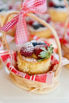 Mini Naked Cake Individual! Fancy Cakes, Mini Cakes, Cupcakes, Cupcake Cakes, Bolo Picnic, Charlotte Cake, Crepe Cake, Elegant Desserts, Cream Tea