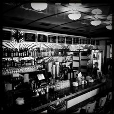 1940s diner bar | Nordic Nibbler: The Nighthawk Diner, Oslo - Restaurant Review