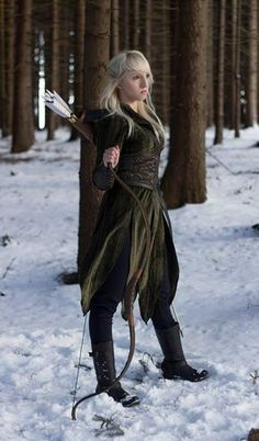 Tauriel Costume - The Hobbit Elven Dress Lord of the Rings – Volto Nero Costumes Costume Viking, Renaissance Costume, Wood Elf Costume, Pirate Costumes, Renaissance Clothing, Elven Costume, Larp Costumes, Womens Elf Costume, Girl Elf Costume