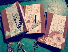 #Agenda #2018 #handgemacht #homemade #flower #papier #love #mona #anhänger #feder #blume #hüpsch #wundervoll #bunt #farbig #passend #handmade #vohandgmacht Mona, Day Planners, Paper, Paper Mill, Marque Page, Flowers, Cards