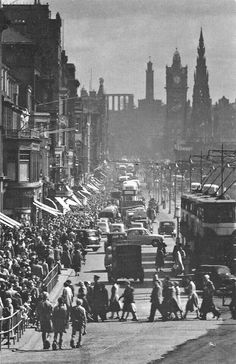 Old Edinburgh - Very busy Princes Street.