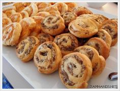 Sausage and Cream Cheese Pinwheels Jam Hands: Sausage and Cream Cheese Pinwheels Sausage Crescent Rolls, Cream Cheese Crescent Rolls, Crescent Roll Recipes, Sausage Pinwheels, Cream Cheese Pinwheels, Brunch Recipes, Appetizer Recipes, Breakfast Recipes, Appetizer Ideas