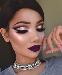 Are you searching for some trendy makeup ideas? We have collected amazing pictures of cut crease makeup looks, which are quite trendy this season. Makeup On Fleek, Flawless Makeup, Glam Makeup, Pretty Makeup, Love Makeup, Hair Makeup, Gorgeous Makeup, Perfect Makeup, Makeup Geek