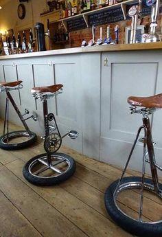 Banquetas estilizadas com bikes