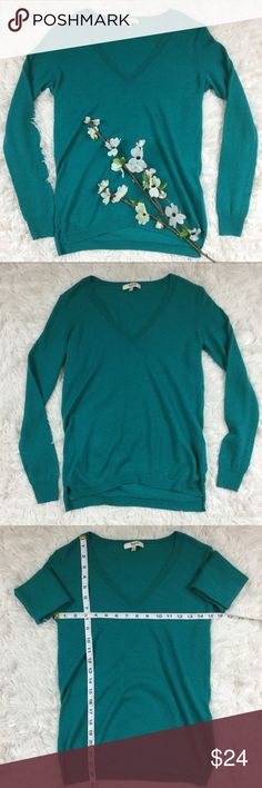 Madewell teal v neck long sleeve sweater tee shirt Teal long sleeve sweater like t-shirt from Madewell. Perfect for layering. Size Xs, approx measurements included above. V neckline, semi lover back. Open to offers or bundle with any other item to save instantly! Madewell Tops Tees - Long Sleeve