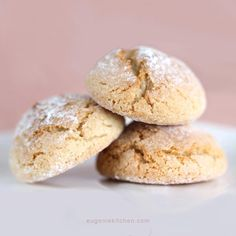 Simple Amaretti – Italian Macaron Cookies – Gluten Free I love almond flavor and the delicate texture of macarons. So Amaretti, Italian macaron, is perfect treat any time for me. For this recipe you don't need to beat the egg like French macarons. And if you love almond extract so much, double the portion. This …