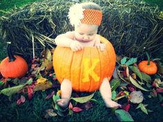 My baby's first Halloween. I totally wanna do this with the kids!! PUMPKIN PATCH!
