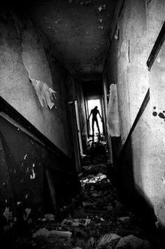 Creepypasta from the Crypt: Images horrifiques Photo Halloween, Halloween Vintage, Halloween House, Halloween Costumes, Arte Horror, Horror Art, Horror Movies, Creepypasta, Art Sinistre
