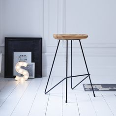 High stool made of metal and black ash tree TIKAMOON Discover this high stool in metal and ash brand Tikamoon! It is composed of a metal structure & seat in ash, which give it a … by Solid Wood Furniture, Dining Furniture, Metal Bar Stools, Metal Stool, Chaise Bar, High Stool, Bar Chairs, Desk Chairs, Room Chairs