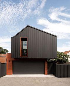 The 25 Minute Rule For The Best Modern Garage Door Design Ideas 22 - homeexalt House Cladding, Exterior Cladding, Facade House, Door Gate Design, Garage Door Design, Architecture Awards, Modern Architecture, Building Design, Building A House