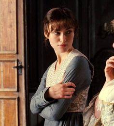 Keira Knightley as Elizabeth Bennet in Pride and Prejudice Jane Austen Movies, Pride And Prejudice 2005, Elizabeth Bennet, Matthew Macfadyen, Mr Darcy, Black Families, Beautiful Costumes, Iconic Photos, Keira Knightley