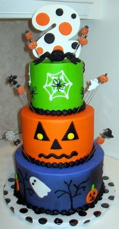 2nd Birthday Halloween cake-designs