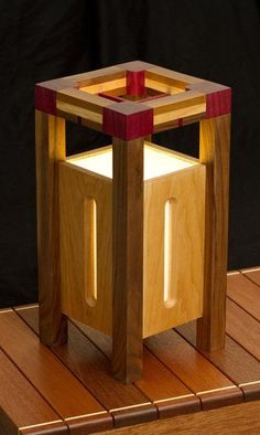 Japanese (inspired) Lamp – Wood Works – Just another WordPress site Wooden Lanterns, Wooden Lamp, Woodworking Plans, Woodworking Projects, Japanese Lamps, Diy Holz, Into The Woods, Wood Design, Wood Furniture