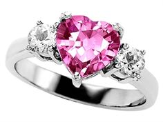 So pretty! I have something similar but this one is so cute.