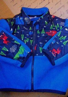 4173e20665a22 Boy s Infant s The North Face Fleece Jacket Coat Blue W Holiday Prints Sz 3-