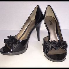 Carlos Santana Pretty Dressy Black Sandal Size 10 3 inch Black Patent Leather Sandal, Size 10 M and only worn once for a couple of hours at a wedding.  I accept reasonable offers!.                    NO TRADES Carlos Santana Shoes Sandals