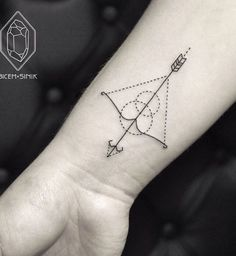 What does sagittarius tattoo mean? We have sagittarius tattoo ideas, designs, symbolism and we explain the meaning behind the tattoo. Mens Arrow Tattoo, Small Arrow Tattoos, Small Tattoos, Subtle Tattoos, Trendy Tattoos, Modern Tattoos, Best Tattoos For Men, Simple Tattoos For Guys, Tattoo Motive