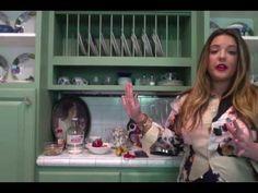 How to Make an Acai Berry Bowl [video tutorial] Acai Berry Bowl, Breakfast Nook, Berries, Corner Dining Nook, Bury, Blackberry, Strawberries
