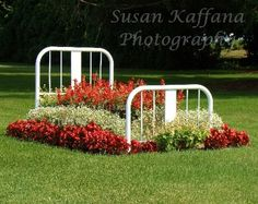 Metal Bed Frames for Flower Beds, 20 Creative and Eco Friendly Backyard Ideas how to reuse and recycle metal bed frames for flower beds and garden design-yes.how to reuse and recycle metal bed frames for flower beds and garden design-yes. Diy Garden Bed, Garden Art, Beautiful Flowers Garden, Beautiful Gardens, Old Bed Frames, Raised Flower Beds, Flower Landscape, Metal Beds, Wood Beds