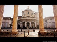 Roman Columns Basilica di San Lorenzo, Milan, Italy - What to do in Milan @lozula