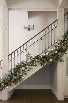 Ho, Ho, Faux - A Quick Guide to Holiday Decor With Artificial Greenery - Marie Flanigan Interiors - Artificial-Greenery-How-To-Decorate-Holiday-Decor-Garland-Staircase-Marie-Flanigan-Interiors -