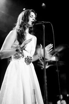Lana del Rey---Louis Vuitton Express 46